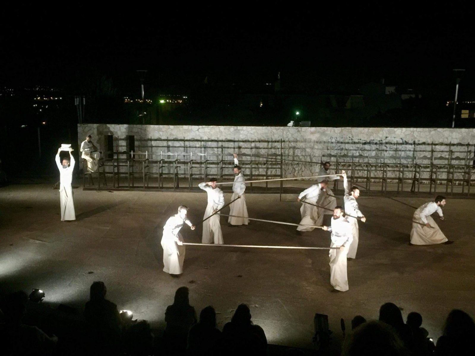 Εξαιρετική η πρώτη πολιτιστική εκδήλωση στο Δήμο Κρωπίας για το 2020 με τους «Πέρσες» από το Εθνικό Θέατρο